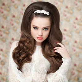 Галерея причесок на длинных волосах (202 фото) (рис. 11)