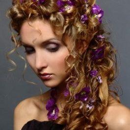 Галерея причесок на длинных волосах (202 фото) (рис. 13)