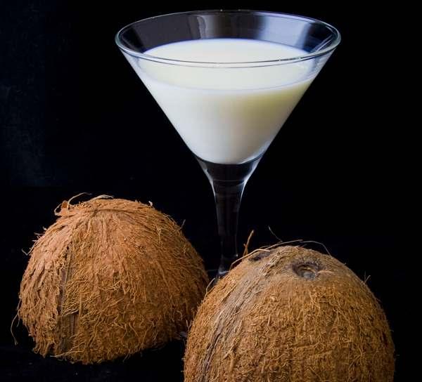 Как выпрямить непослушные волосы кокосовым молоком? (рис. 6)