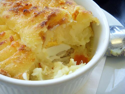 Пирог из картофеля и рыбы: вкусно и просто (рис. 3)