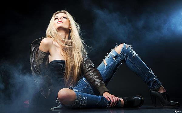 Как сделать так, чтобы рваные джинсы подчеркнули достоинства? (рис. 6)