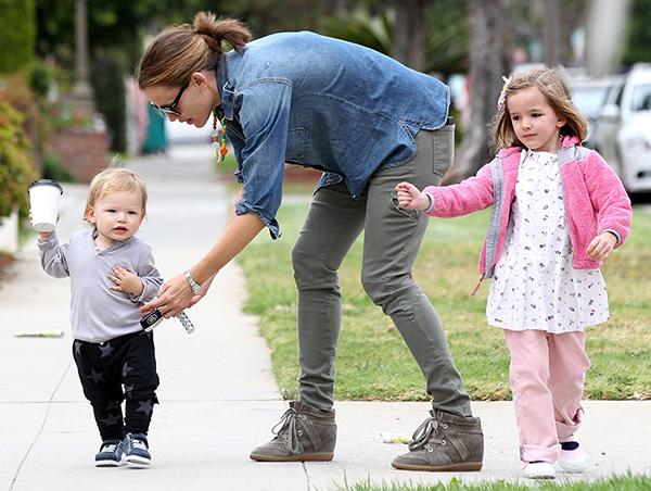 Дженифер Гарнер станет мамой в четвертый раз (рис. 9)