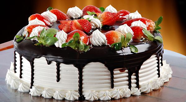 Праздничный торт – залог веселого торжества (рис. 6)