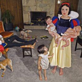Реальность против сказки. Фотопроект Дины Гольдштейн (рис. 13)