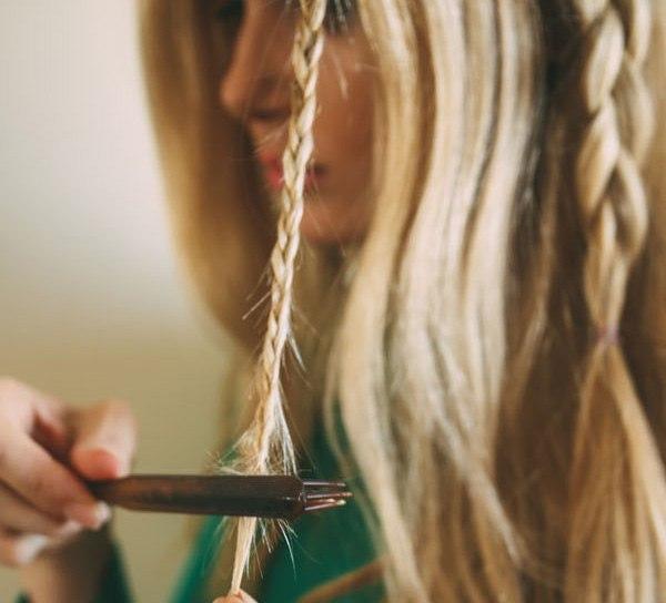 Прическа шикарной косы в фотографии (рис. 38)